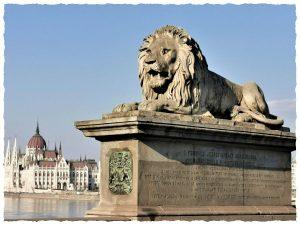 Будапешт. Вид на Парламент с Цепного моста